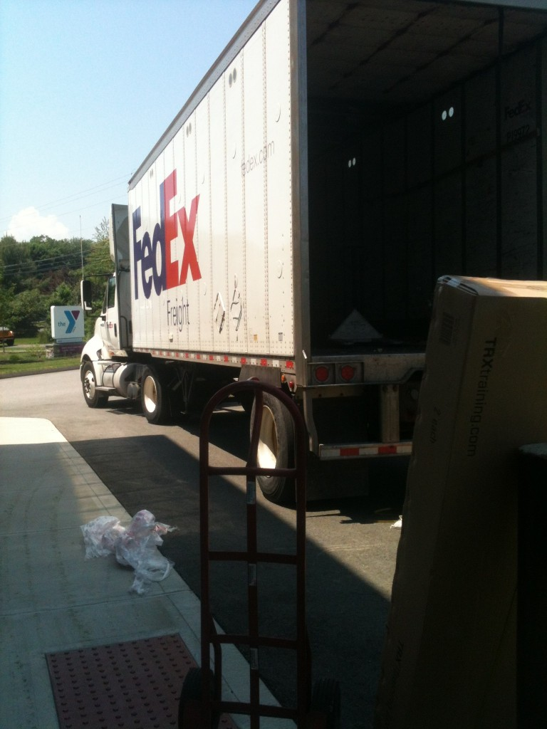 TRX delivery Fed Ex Truck